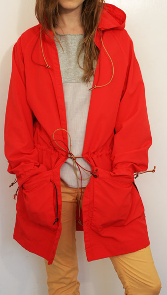 Water-resistant Anorak in Red